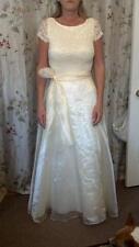 1950's style Wedding dress off white/yellow lace upper taffeta skirt