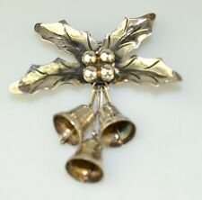 VTG MEXICAN STERLING SILVER HOLLY LEAVES BERRIES PIN W/ DANGLING CHRISTMAS BELLS
