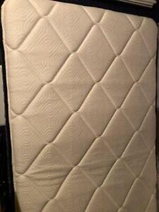 Sealy Response Essentials 10.5-Inch Plush Tight Top Mattress, Twin