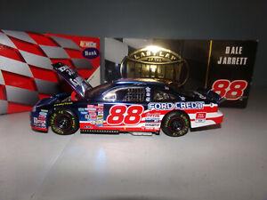 1/24 DALE JARRETT #88 QUALITY CARE / LAST LAP CW/BANK 1999 ACTION NASCAR DIECAST