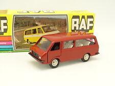 NovoExport USSR 1/43 - RAF 2203 Bus Rouge