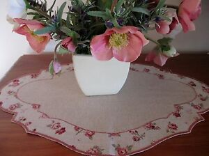 ELEGANT SCULPTED TABLE CENTRE - MADE IN GERMANY
