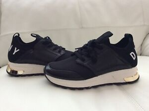 NEW DKNY Trainers   US 7,5 M