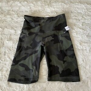 NWT Old Navy Green Camo High Rise Powersoft Bike Shorts Size Small