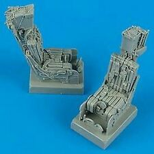 QUICKBOOST 1/32 F14A EJECTION SEATS W/SAFETY BELTS (2) | 32033