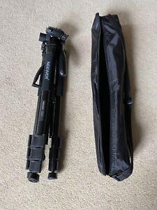 Neewer Tripod With Integral Monopod SAB264 And Carry Bag