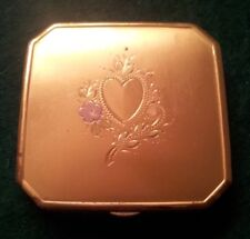 VINTAGE GOLDTONE LAMODE COMPACT - HEART DECORATION - ORIGINAL PUFFS