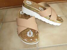 Juicy Couture Gold White Tan Strap SANDALS SLIDES SHOES 6 1/2 B M Sharp Comfort