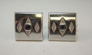 SILVER TONE SQUARE CUFF LINKS W/ 3 DIAMOND DESIGN W/ BLACK STONE CENTER *