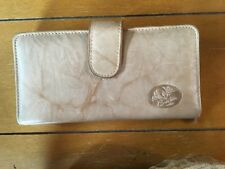 Burton Wallet~Tan~ Pre-Owned~ Great condition !""