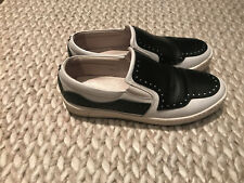 COLLECTION PRIVEE WHITE WITH BLACK SADDLE STYLE SLIDES SKATERS WOMANS SZ 38