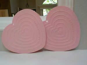 LE CREUSET POWDER PINK Heart Pot Holder Silicone Trivet PREOWNED - EUC
