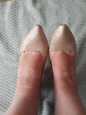 Well Worn Size 6 heels