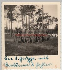 (F10025) Orig. Foto deutsche Soldaten im Wald, 3. Gruppe m. Bootsmaat Hafler 193