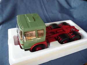 Camion miniature au 1/18: MAN F7 de ROAD KINGS neuf en boîte d'origine