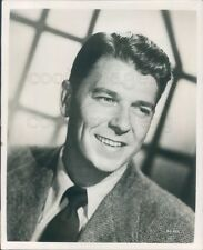 1950 Press Photo Young Handsome Actor Future President Ronald Reagan