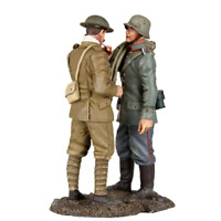 Britains 23081 WWI Prisoners and Wounded to The Rear - 2 Piece Set