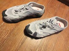 ECCO WOMEN'S GREY & SILVER VENTED ATHLETIC SHOE W/ TOGGLE SZ 6-6.5 EU 37L CLEAN