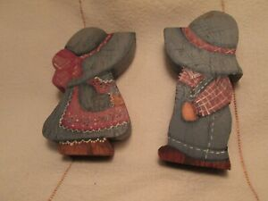 """Dolls 2 Holly Robbie Hobbie Stand Alone Wood Painted 3 Sides 2.5"""" Vintage 1970's"""