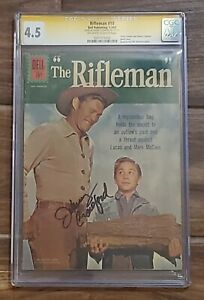 THE RIFLEMAN #10 (Dell 1962) CGC 4.5, SIGNED BY JOHNNY CRAWFORD! WOOD LOG COVER!