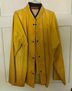 Vintage raincoat heavy duty Uniroyal Series 2000 medium or large  REDUCED!