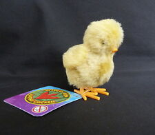 WIND UP YELLOW JUMPING CHICK  - GREAT FUN FOR CHILDREN AND ADULTS