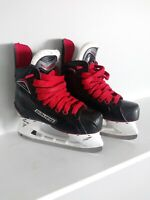 Bauer Vapor X500 Ice Hockey Skates Size 2 Shoe Size 3 with Super feet insoles