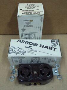 Lot/2 ARROW HART ~ 4700 Locking Receptacle 15A 125V 2P 3W GRD NEMA L5-15R Brown