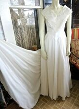 Late 1940s Vintage Ivory Taffeta & Lace Wedding Gown Tulle Lined With Panniers