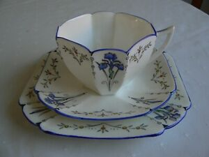 Shelley Blue Iris - Queen Anne 11561