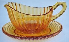 LOVELY VINTAGE AMBER DEPRESSION GLASS GRAVY JUG WITH UNDERPLATE