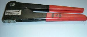 Arrow Fastener Co Pop riveter wtih 2 size riveters