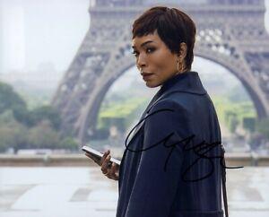 Angela Bassett Signed 10x8 Photo - American Horror Story - Black Panther - 9-1-1