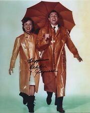 Debbie Reynolds Signed Photo Singing In The Rain Authentic! Not Secretarial!