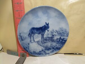 KAISER PORCELAIN , MOTHER'S DAY PLATE FROM 1981 - DONKEYS SHOWN , NO DAMAGE!