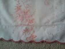 Vintage/ Retro Pink & white flowered pair of pillowcases - Cotton reversible