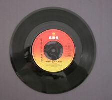 """SG 7"""" 45 rpm 1980 GILBERT O'SULLIVAN - WHAT'S IN A KISS /  DOWN DOWN DOWN"""