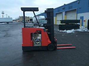 "2006 RAYMOND FORKLIFT DOCKSTOCKER 4000# 188"" LIFT , 36V W/BATTERY & CHARGER , HD"