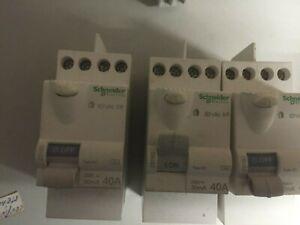 3 Interrupteur. différentiels shcneider  40 a