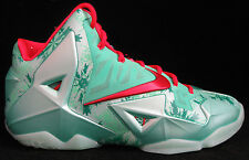 Nike Lebron 11 XI Christmas Size 10 Green Glow Red Basketball Shoe 616175-301