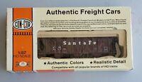 CON-COR HO PS-2 Covered Hopper Santa Fe #0001-009503 KIT ATSF# 300437