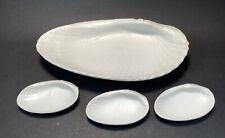 Set Of 4 Ivory Tone Wedgewood Of Etruria & Barlaston Shells Serving Plates