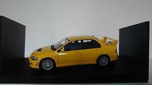 77161 1/18 Autoart Mitsubishi Lancer EVO VII Street Car Yellow Rare