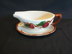 """Franciscan APPLE  8"""" Gravy Boat with Attached Under Plate USA after 1979 EUC"""