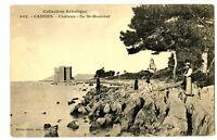CPA 06 Alpes Maritimes Cannes Château Ile Saint-Honorat animé