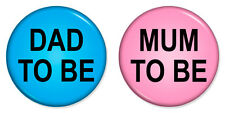 """2 x Mum & Dad To Be Combo 25mm 1"""" Pin Badges Pregnant Maternity Mummy Daddy"""