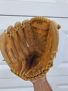 """Rawlings RMG134T 13.5"""" SUPERSIZE Left Handed Glove ( Wear it on right hand )"""