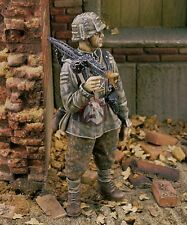 Royal Model 1/35 SS-Panzergrenadier w/MG 42 12th SS-Panzer Division Normandy 209
