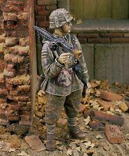 Royal Model 1/35 SS-Panzergrenadier w/MG 42 12th SS-Panzer Division Normandy 209