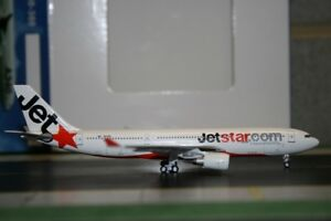 Aeroclassics 1:400 Jetstar Airbus A330-200 VH-EBC (ACVHEBC) Die-Cast Model Plane